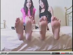 Barefoot Asian-Girls