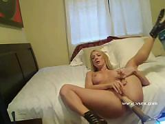 Morning masturbation from very nice professional scarlet whore