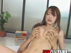 Skinny japanese chick gets cumshot