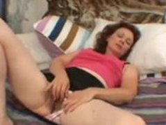 Hairy Amateur Mature Milf Masturbating Her Old Vagina Demilf.com