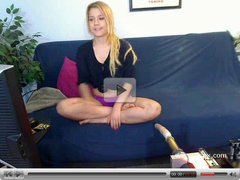 Blonde babe Bella Banxx live sex machine webcam