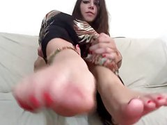 Worship her perfect feet