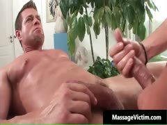 Muscled gay stud gets his penis sucked part5