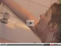 Amateur bathtime fun with mature and teen