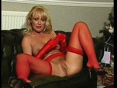 British slut Louise Hodges plays with a sextoy