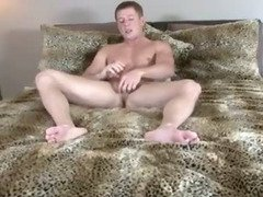 Hunky pornstar Tommy Dxxx blows his load