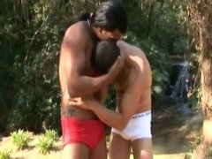 Muscled Gay Dude Kiss and Fuck