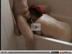 Blasen in der Badewanne  -  Blowjob in Bath