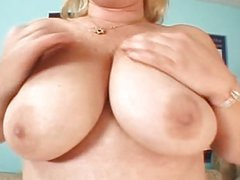 Sexy Over 40s MILF Lizzy - Tight Ass Hole!