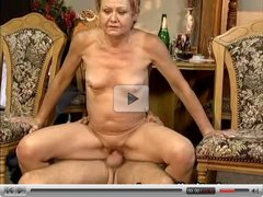 Grannys pussy gets pounded