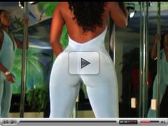 black thick models clapping and bouncing ass
