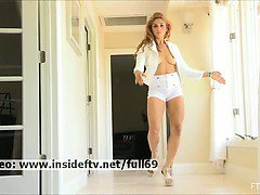 Valentina _ Amateur babe performing a hot dance and getting naked