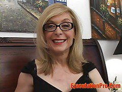Granny Nina Hartley is expert in Tits job and handjob