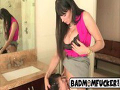 Moms Bang  Teens  Show and tell4
