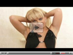 Blond hottie Cindy Dollar dirty fingering action