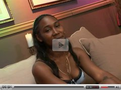 Black hottie double-penetrated