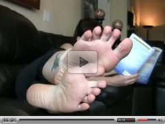 Sexy mature milf feet