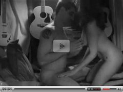Hot amateur threesome on video