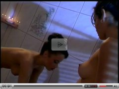 Daisy Marie And Simone's Rub a Dub in the Tub...Kyd