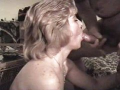 Amateur milf swallows the cum