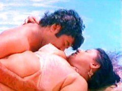 Big boob mallu aunty romance at pool