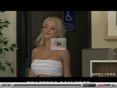 Brazzers - Stunning blond girlfriend Tia Mckenzie bangs