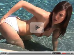 Brunette Babe masturbate and play with her Dildo on Pool