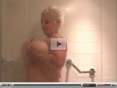 Making Herself Cum Using The Shower