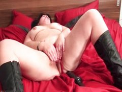 Very horny fat mature woman rides huge