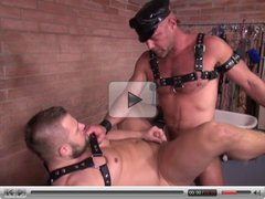 Hunky leather guy gets fucked