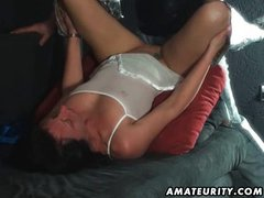 Amateur MILF sucks and fucks with huge facial