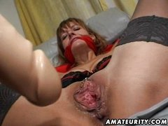 Amateur Milf gets her ass and pussy toyed
