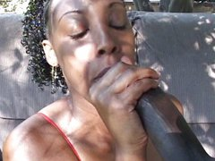 Delicious ebony ghetto fuck under the trees