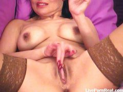 playing with her pussy til cum(3).wmv