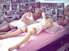 A prematurate sissy fucks her doll