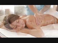 Foxi Di gets a massage in her ass