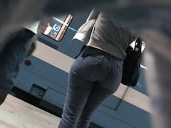 Candid Ass in Jeans 03. Hot! (+slow motion)