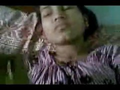 petiete indian girl loves bf's dick