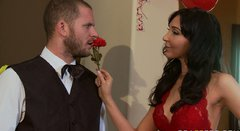 Brunette temptress Diana Prince gives awesome blowjob
