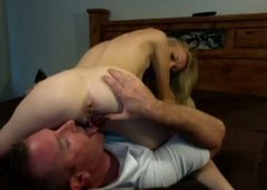 Skinny blonde girl is facesitting in kinky homemade fuck video