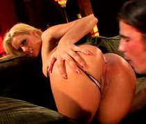 Bootyful blondie gives her lover the best blowjob of his life