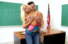 Spoiled college student seduces her teacher for sex