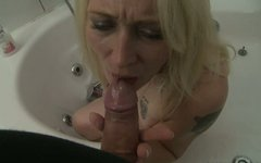 Insatiable mature woman gives her lover a nice blowjob