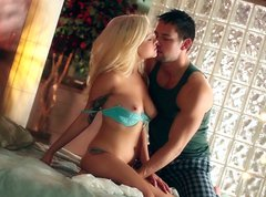 Adorable blondie Cami Cole gets her pussy eaten by her boyfriend