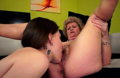Ample mature BBW gets her bushy cunt eaten by sizzling amateur