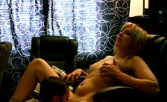 Curvy blond MILF gets her muf dived before she give a blowjob in pov