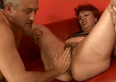 Chubby mature granny with bearded clam is fisted bad in hardcore porn clip