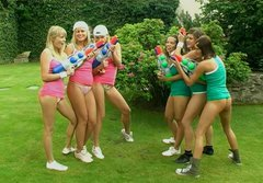 Hot pretty teens switch grom plyaing with water guns to teasing fresh pussies
