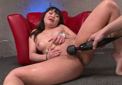 Flamboyant Japanese hoe Nene Masaki gets her aroused pussy tickled with vibrator