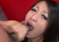 Filthy Japanese amateur Nana Kunumi gives double blowjob in MMF sex clip